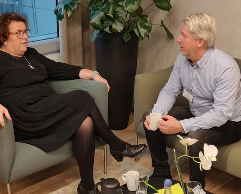 KrFs Glenn Tønnessen fikk en prat med KrF-nestleder og statsråd Olaug Bollestad. Foto: Privat
