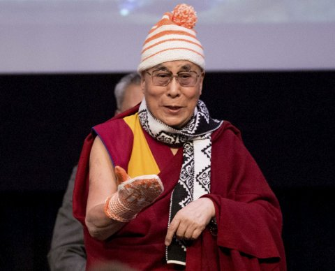 Kjendiser: Nylig besøkte Dalai Lama studentfestivalen Isfit i Trondheim. AYC vil få ham til Bodø som gjest. Foto: NTB Scanpix