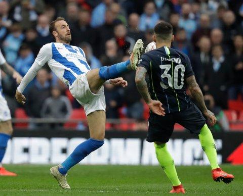 Brighton og Glenn Murray (t.v.) trenger tre poeng i nedrykkskampen. (AP Photo/Matt Dunham)