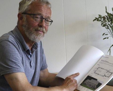 PROSJEKTLEIAR: Edvin Helgheim er prosjektleiar for opprustinga av den gamle steinkyrkja. Foto: Andreas Hopen