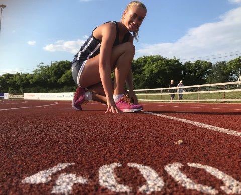 ENDELIG: Onsdag kveld løp Nora Wold inn til tiden 59,50 på 400 meter hekk.