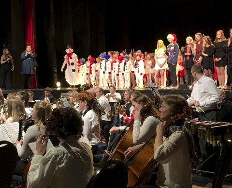 Manifestasjon: Kulturskolens juleforestilling er en manifestasjon av spilleglede, danse- og sangglede.Alle foto: Jan Westby
