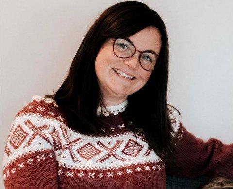 Gunn-Rita Nedrebø liker å synge. I år har hun valgt å bruke talentet sitt på en adventskalender fylt med julesanger på Instagram.