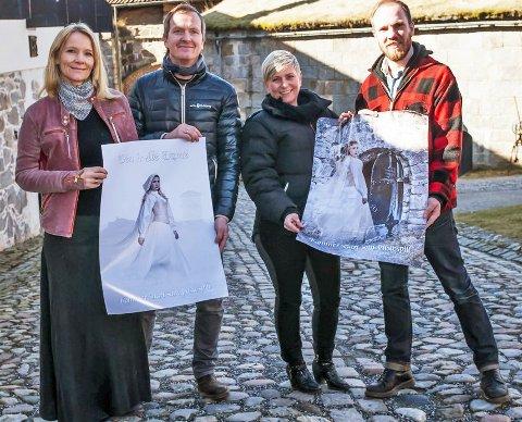 SATSER STORT PÅ FESTNINGEN. Fra venstre: prosjektleder Marita Rognøy, sanger og komponist Aasmund kaldestad, fotograf Vibeke Havenstrøm og regissør og koreograf Tomas Adrian Glans.
