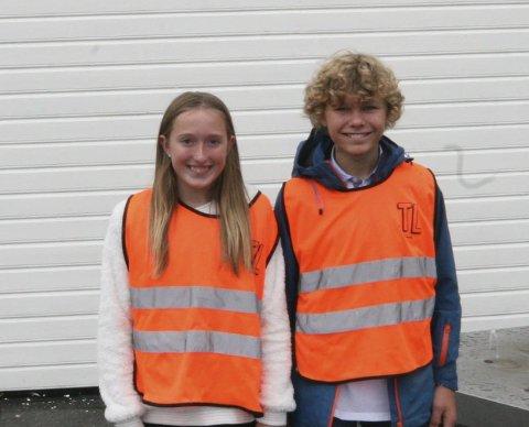 GLADE FOR GAVEN: Susanne Sørlie og Jon Eikemo er trivselsledere på Eide skole. De er veldig fornøyde med gaven fra KIBK.
