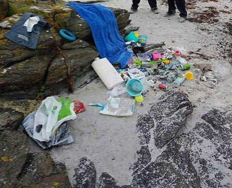 BOSS: Noen slipper de har med seg til stranden
