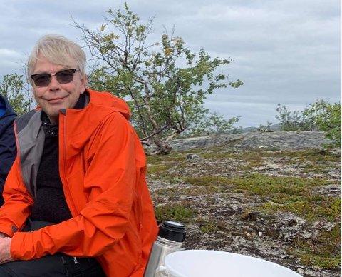 GIKK IKKE SOM PLANLAGT: Bjørn Hemlis fjelltur med kompiser i Lakselv ble mer dramatisk enn han hadde planlagt. Nå skamroser mannen fra Oslo helsevesenet i Finnmark.