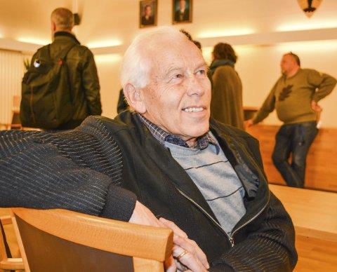 VETERAN: Tor Wennemo var med i politikken under kommune-sammenslåingen for 50 år siden. Han ønsker Rømskog velkommen.
