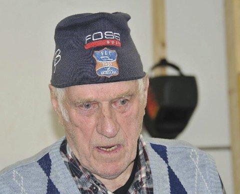 SUPERVETERAN: Med sine 89 år er Roald Severinsen eldst i «Kara», pensjonistgjengen i Fet skiklubb. – Jeg skal holde på så lenge helsa holder, sier han.