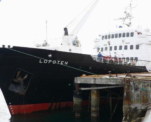 MS Lofoten vil snu ruten i Svolvær og gå sydover kl. 21.30 etter bare en halv times liggetid i Svolvær.