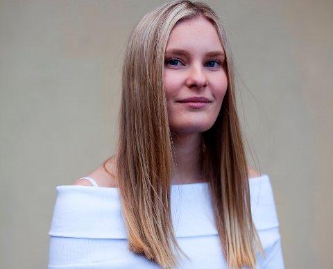 Mina Hagen, skribent.