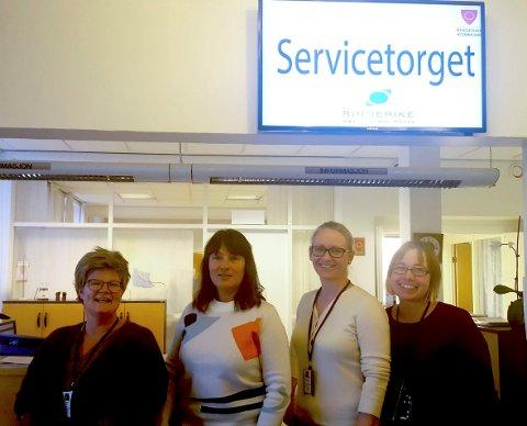 MER TILGJENGELIG: Servicetorget og kommunikasjonsavdelingen, her representert ved Kristin Imsgard (fra venstre), Ann Kristin Steinbakken, Kathrine Briseid og Hege Elisabeth Molid Moen.