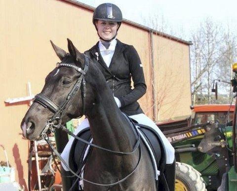 Hanne var en aktiv rytter før sykdommen rammet. Til slutt måtte hun legge livet på hesteryggen bak seg. Foto: Privat