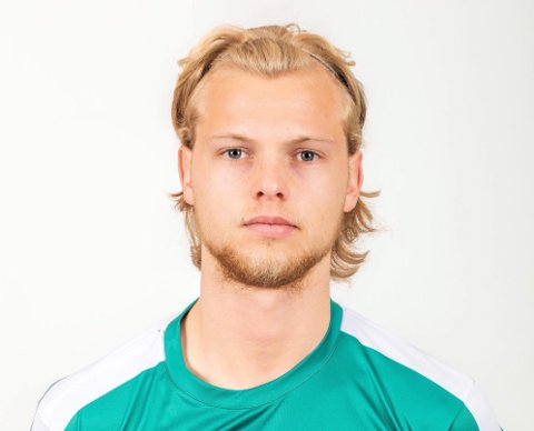 Morten Bjørlo og Nest-Sotra stanset ikke målfesten før de hadde puttet fem baller bak Viking-keeperen. (Foto: Privat)