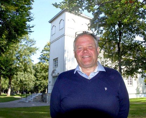 Håp: Alf Dagfinn «Affe» Hovland i Skien har selv opplevd ikke å få det til, men så lenge en har håp kan de fleste vanskeligheter overvinnes. Bildet er tatt ved Solum kirke.