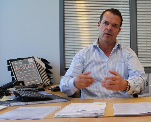 BILBRANSJEN FÅR ROS: - De store bilorganisasjonene jobber veldig seriøst både med produkter og kunder, sier Robert Smeby, salgs- og markedsdirektør i Lexus Vestfold og Toyota Tønsberg-Horten.