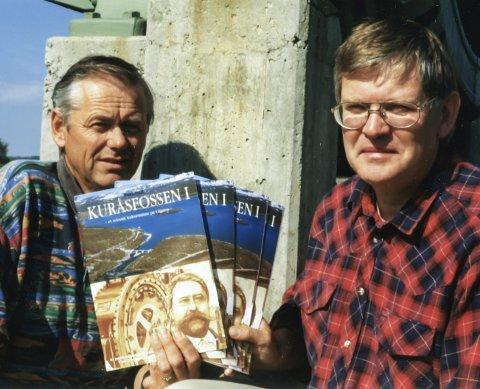 FØR...: I 1996 var det stort jubileum. Det var 100 år siden Kuråsfossen 1 ble satt i drift, og det var 75 år siden Aursundreguleringen. Martin Moholt (t.v) og Henrik Grønn satt i jubileumskomiteen sammen med Leif Hagen, og Johannes Sundt førte jubileumsberetningen i pennen.