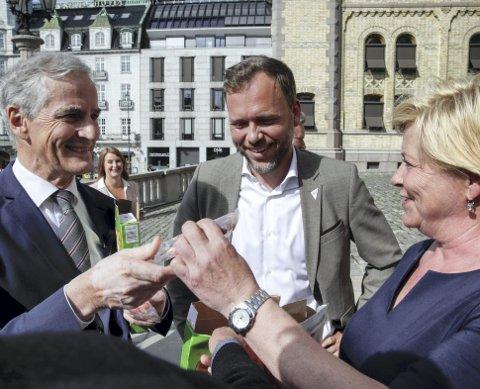 Jonas Gahr Støre (Ap) Audun Lysbakken (SV) og Siv Jensen (Frp) etter at Stortinget behandlet endringer i bioteknologiloven. Foto: NTB