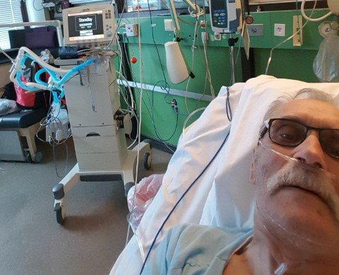 PÅ INTENSIVEN: Her har Torbjørn Isaksen tatt et bilde av seg selv, mens han ligger på intensiven ved Hammerfest sykehus tirsdag 6. oktober.