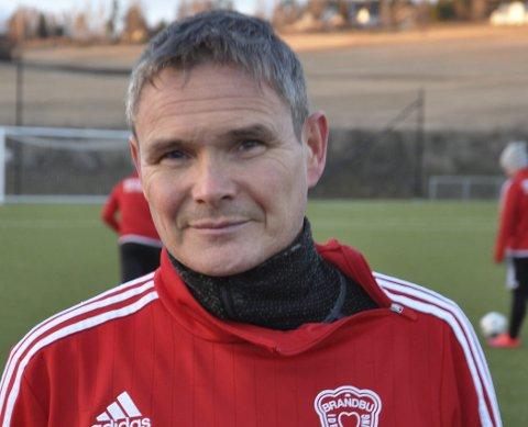 FORTSETTER: Paul Jorstad tar en ny sesong som trener i Brandbu.