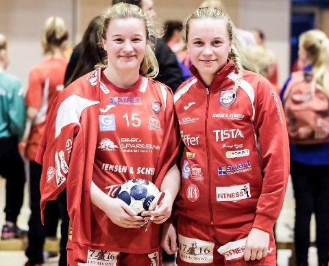 Nora (tv) og Hedda Thulin er på vei til Fredrikstad.