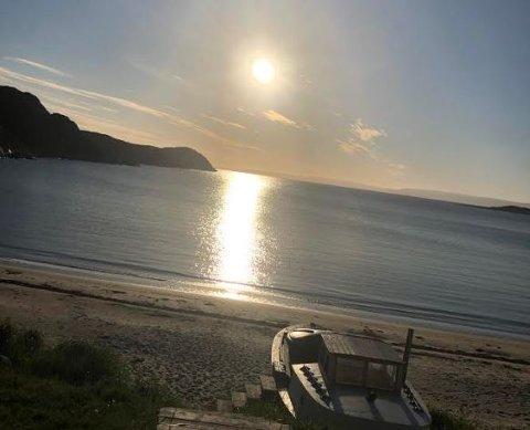 VARMT: Det er sommer i Finnmark. Onsdag blir landets nordligste fylke varmest i landet. Bildet er tatt i Bugøynes i Sør-Varanger kommune.