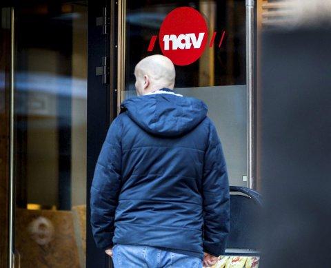 FÆRRE PÅ NAV: Arbeidsledigheten går stadig ned, både i Holmestrand og resten av fylket. Men fortsatt står mange uten jobb, og da spesielt innen salgsarbeid og reiseliv. Foto: Gorm Kallestad / NTB scanpix