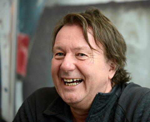 MUSIKER: Svein Østvik er også musiker. Lørdag blir han å høre på Gamle Norge.