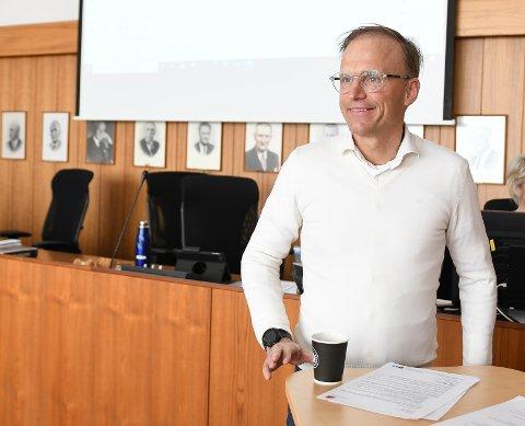 Mindre sannsynlig: Thor Drechsler la i mai frem planer om et bassenganlegg i Svolvær. Nå anser han sannsynligheten for mindre etter at politikerne sa ja til basseng i Kabelvåg.