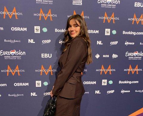 ROTTERDAM: Emelie Hollow er med til Rotterdam og håper på seier i Eurovision i kveld. Hun har troen på Tix.