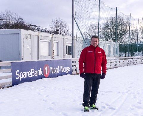 - Vi håper å få spillemidler nå i 2020 for å utvikle vårt brakkeanlegg av et garderobeanlegg ved Hemnes stadion til et klubbhus for oss i Hemnes IL, sier leder Kjell-Idar Juvik.