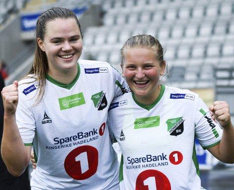 SCORET I NY STORSEIER: Maja Tryterud og Synne Kristine Hamborg.
