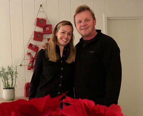 NYINNFLYTTET:  Vibeke Helena Juel (49) og Don Steele (54) trives i Sande.