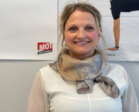 GODT NØGD: Bjarnhild Samland, assisterande kommunalsjef skule, vil gjerne ha fleire på søkjarlista før dei tilset rektor ved Leikanger ungdomsskule.