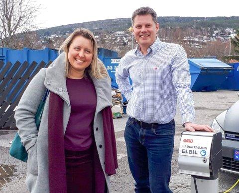 FELLES UTSPILL: Baiba Sheine (Vinje SV) og Jørn Langeland (Tinn SV) vil ha flere elbil-ladere i øvre Telemark. Det vil også SV i Tokke, Notodden og Hjartdal.