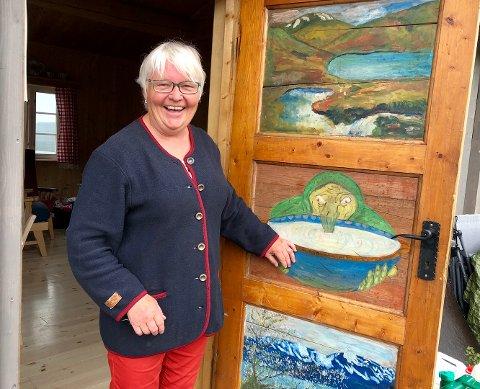 Margit Bratvold har støl på Grønsenn og trives godt som vertskap i fjellet. Nå ønsker hun å utvide med overnattingsplasser og servering for stølsgjester.