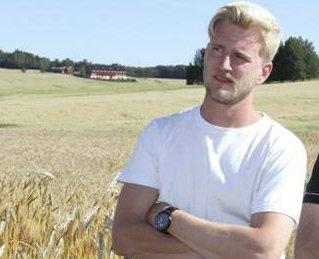 Kan vinne pris: Knut Halvor Aschjem (t.v.) kan bli «Årets unge bonde». Foto: Norges bondeungdomslag.
