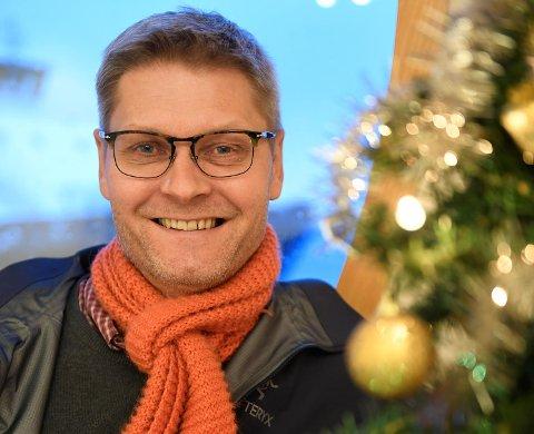 Daglig leder Arne Liljedahl Lynngård i Kirkens Bymisjon har travle dager nå. Han ser frem til julefeiringen, ikke minst til julaften i Korskirken.