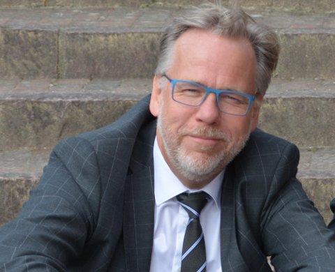 RÅDGIVER: Lars-Ole Gjermundbo har vært faglig rådgiver for NRK-redaksjonen under utvikling av programmet GIFT som starter onsdag 14. oktober.