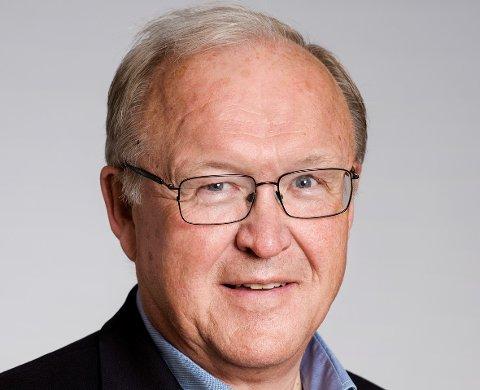 TIL ALLE: Ordfører Knut Kvale gir et spennende foredrag med tidligere statsminister Gøran Person fra Sverige til alle sine innbyggere. Det skjer torsdag 17. desember.