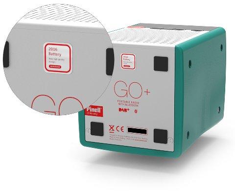 TRYGG VERSJON: Pinell tilbakekalte radioer av typen GO/GO+ som var solgt fra mai 2013 til september 2015 - på grunn av en produksjonsfeil i batteriet. De som er solgt senere skal være trygge, slik som denne som er merket med «2016 Battery».