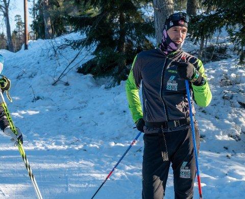 SUPERMOSJONIST: Jan Kristian Haugnæss skal gå 216 kilometer på ski fra fredag til lørdag. Turen vil ta nærmere 24 timer.