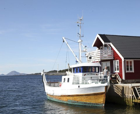 FISKE: - M/S Nytraal er bygd av legendariske Andor Tveit på Sund i Hardanger. No er vi så heldige å eige båten som er tenkt utleigd til turistar og chartermarknaden, fortel Kristian Grov i Stavang Rorbuer. Foto: Per Ø Helle