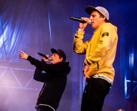 NÅ OGSÅ SOM DOKTORGRAD: Jaa9 og OnklP på scenen under Lillehammer Live. Rap-lyrikken deres er blitt tema for en doktorgrad. Her fra konserten under Lillehammer Live tidligere i år.
