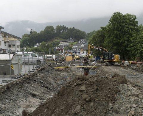GÅR ETTER PLANEN: Arbeidet på Opsangervegen går etter planen og det blir omkjøring fram til månadsskiftet september/oktober.
