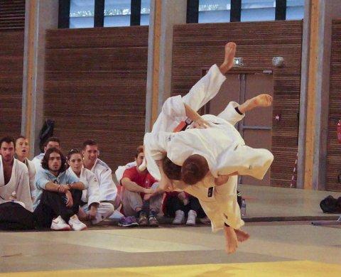 Bronsefinalen: Geir Bjerknes kaster uchi mata i bronsefinalen. Alle foto: privat