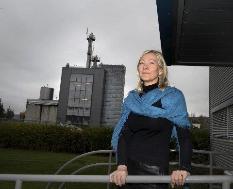 GRØNN BØLGE: Hoff bidrar til en sirkulær økonomi ved å omsette «avfall» fra andre produsenter til sprit og glukose, forteller daglig leder Ingeborg Flønes.