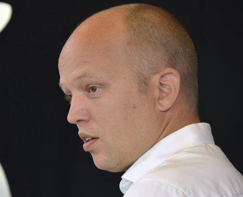 OVERRASKET: Sps leder Trygve Magnus Slagsvold Vedum skjønner ikke hvordan Gunnar A. Gundersen kan være så fornøyd over regjeringens innsats for Hedmark. foto: gunnar østmoe