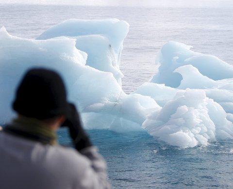 Miljø: Hva skal til for at vi skal ta klimautfordringene på alvor, med smeltenede isbreer og mennesker som er blitt klimaflyktninger, spør Trine Gabor.FOTO: HÃkon Mosvold Larsen / SCANPIX