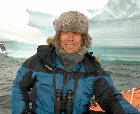 SVALBARD 20070511.  Få vet bedre enn biolog, fotograf og stortingspolitiker for SV Arne Nævra hva som rører seg i havområdet mellom Finnmark og Svalbard. Foto: Stein P. Aasheim / NTB scanpix
